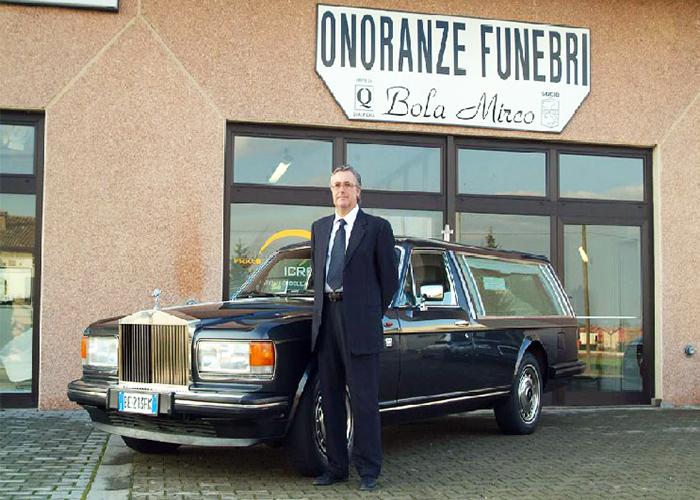 Servizi Funebri - Rolls Royce Per Trasporto Funebre
